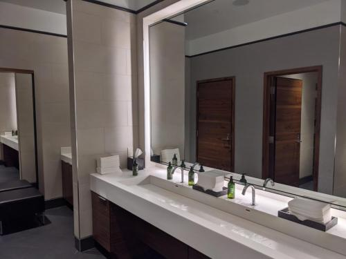 Centurion Lounge DFW - Restroom